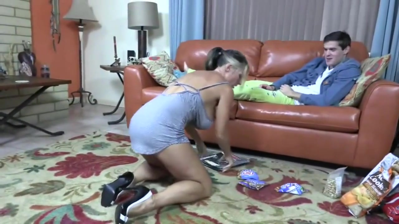 Housewife Fuck Young Man