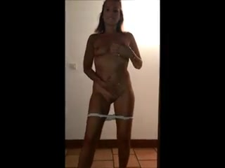 amateur pussy fingered on camera